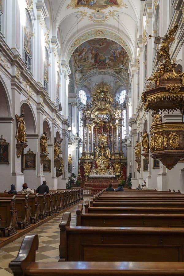 Iglesia del ` s de San Pedro en Munich, Alemania, 2015 fotos de archivo