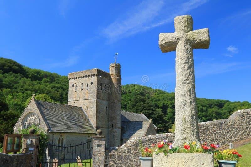 Iglesia del ` s del St Winifred en el pueblo de Branscombe foto de archivo libre de regalías