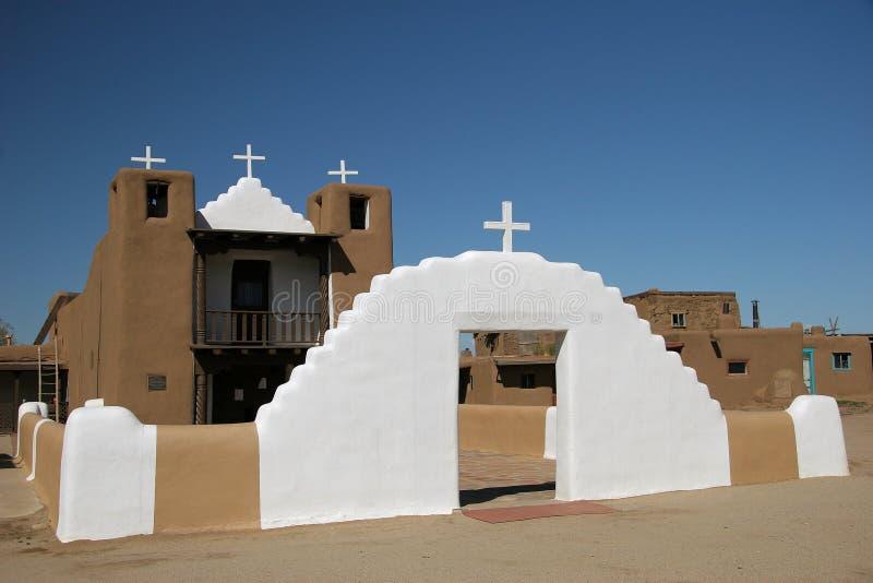 Iglesia del St Geronimo del pueblo de Taos imagen de archivo libre de regalías