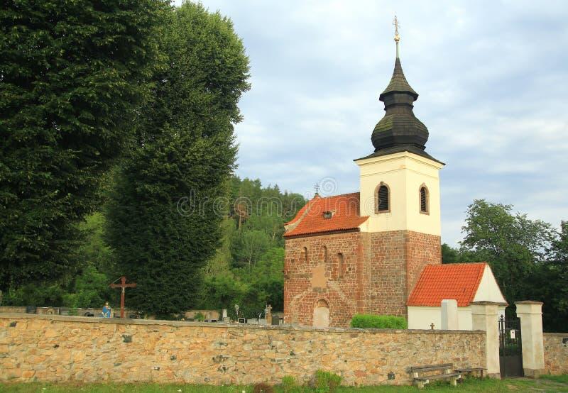 Iglesia del St Jakob Older cerca de Stribrna Skalice, República Checa foto de archivo libre de regalías