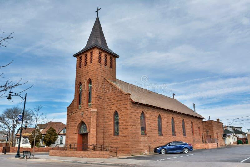 Iglesia del St Josephs de la comunidad católica de Winslow, AZ imagen de archivo