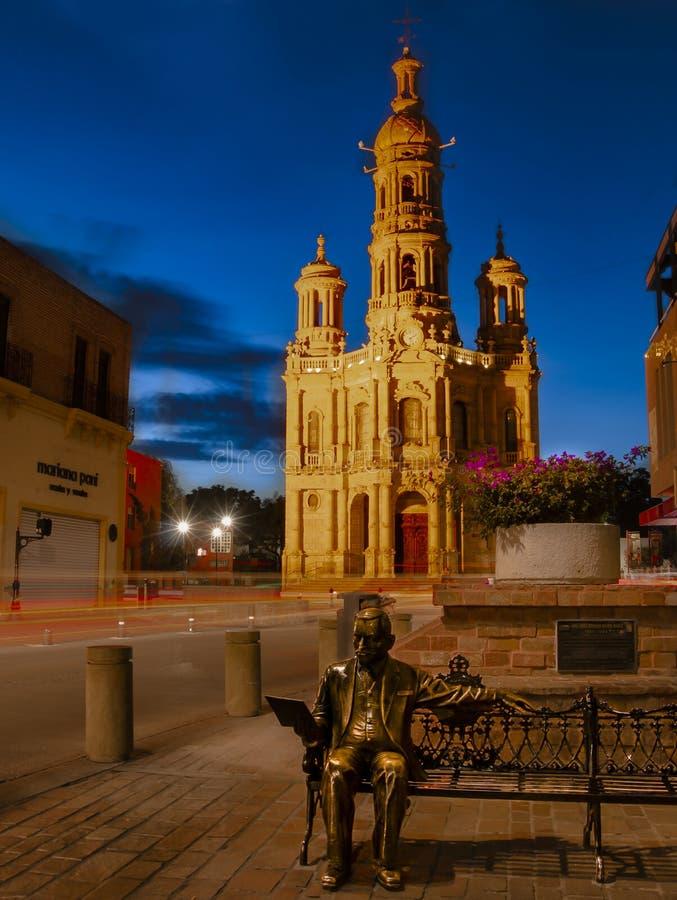 Iglesia en Aguascalientes, México en la oscuridad fotos de archivo