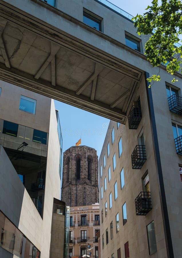 Iglesia en Barcelona imagenes de archivo