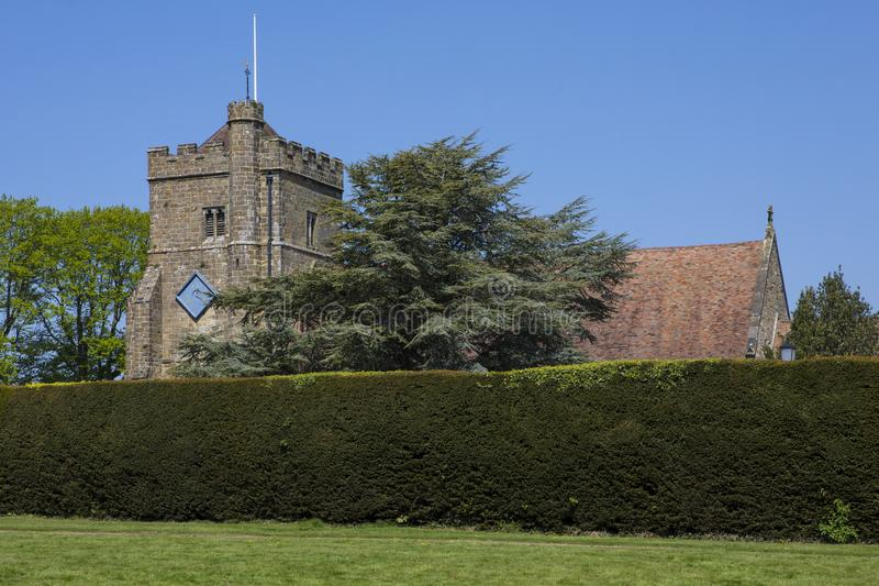 Iglesia en batalla, Sussex del este del St Marys imagenes de archivo