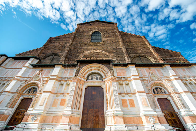 Iglesia en ciudad de Bolonia foto de archivo libre de regalías