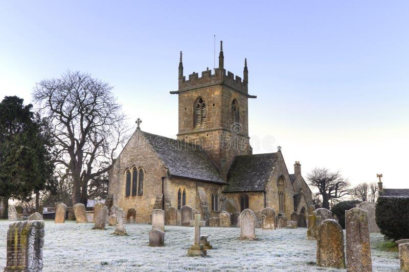 Iglesia en el amanecer, Inglaterra de Cotswold fotos de archivo