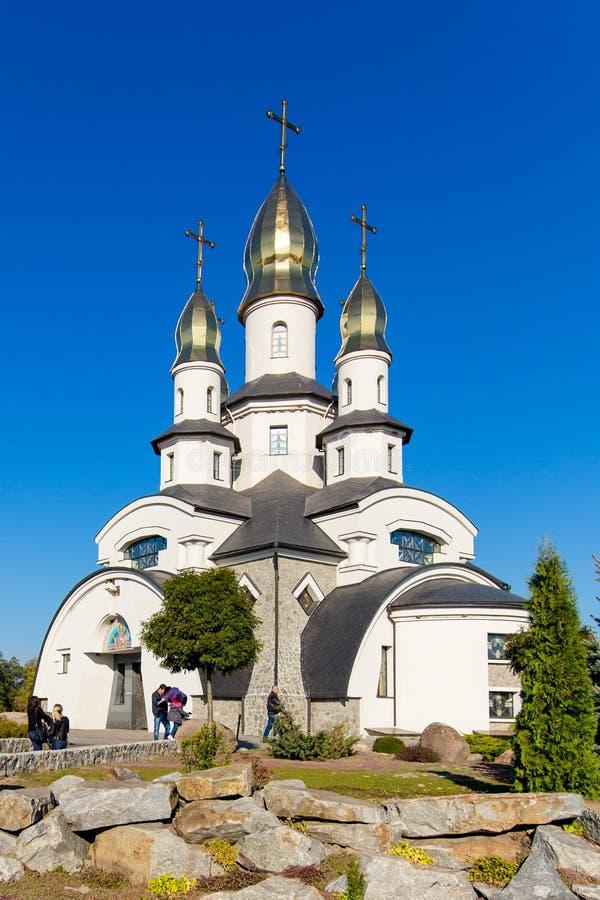 Iglesia en el pueblo de Buki Ukraine fotografía de archivo