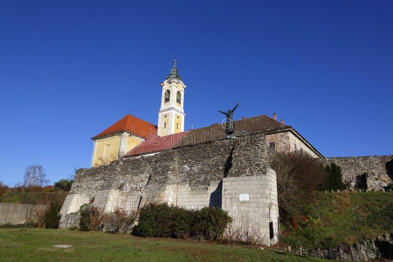Iglesia en el VAC, Hungría del VAC, el 24 de noviembre de 2015 fotos de archivo