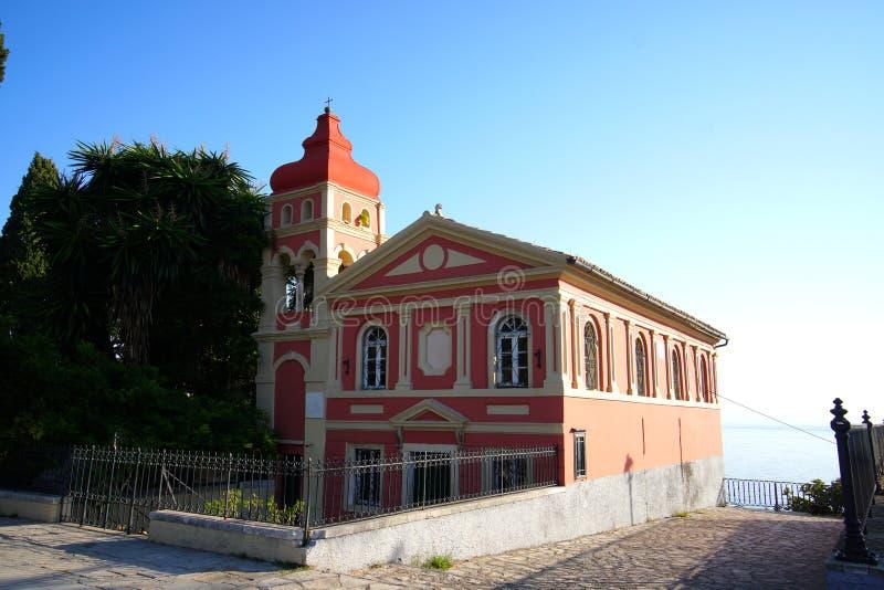 iglesia en la ciudad de Corfú que está situada adyacente al cuadrado de Spianada fotografía de archivo