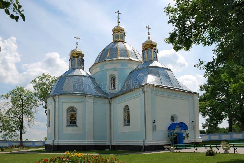 Iglesia en la ciudad Novovolynsk foto de archivo libre de regalías