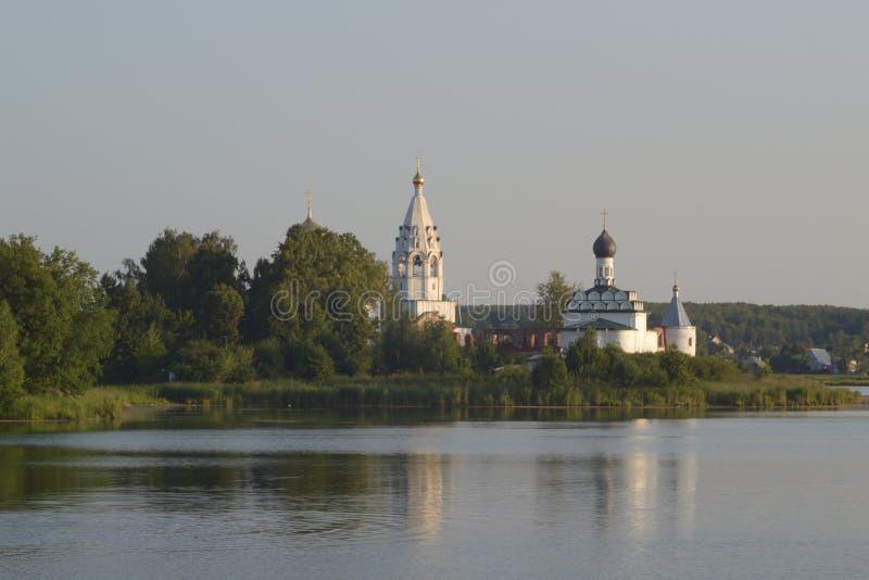 Iglesia en la isla fotografía de archivo
