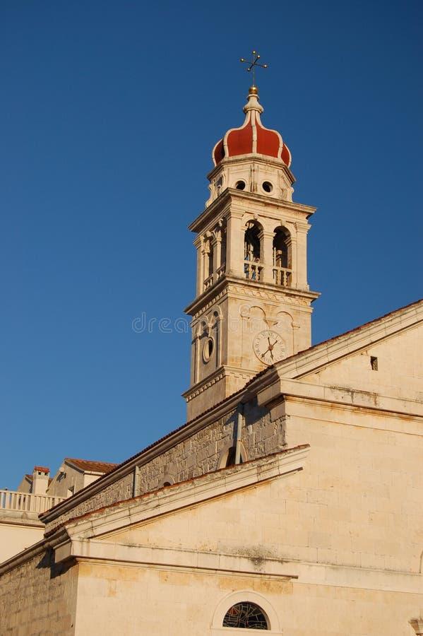 Iglesia en Pucisca en la isla de Brac - Croatia foto de archivo
