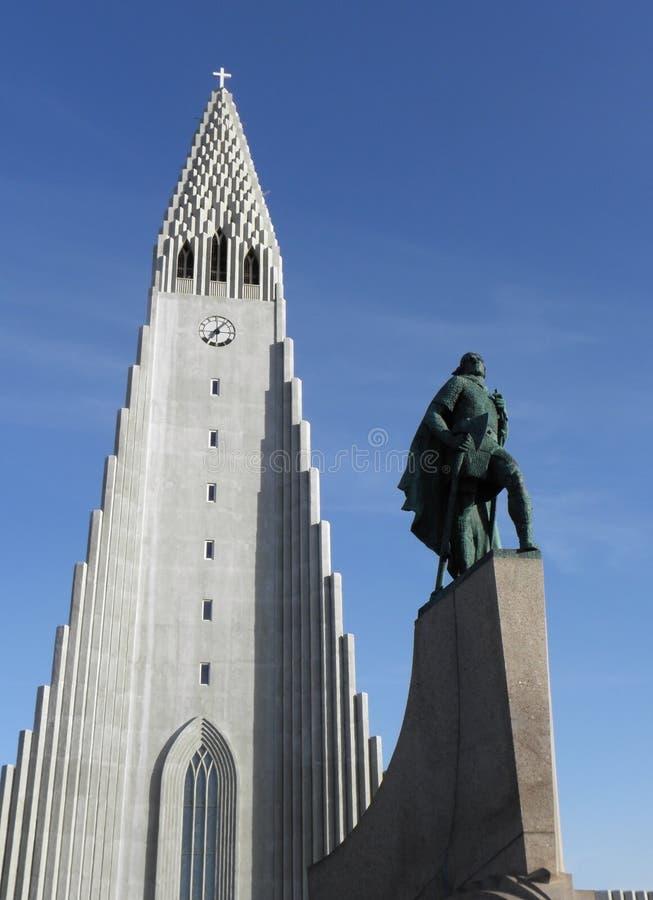 Iglesia en reykjavik imágenes de archivo libres de regalías