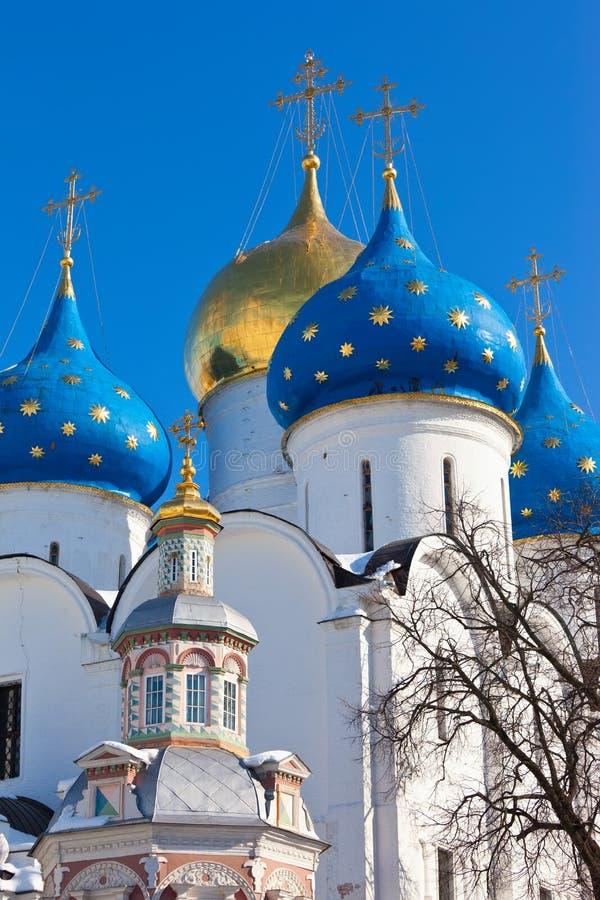 Iglesia en Sergiyev Posad fotografía de archivo libre de regalías