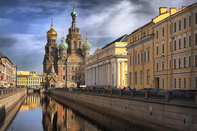 Iglesia en St Petersburg foto de archivo