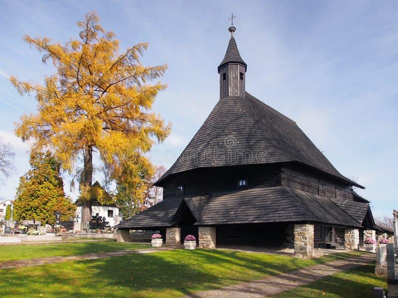 Iglesia en Tvrdosin, señal de la UNESCO imagen de archivo libre de regalías