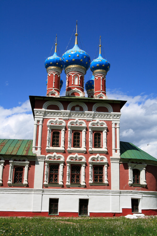 Iglesia en Uglich imagenes de archivo