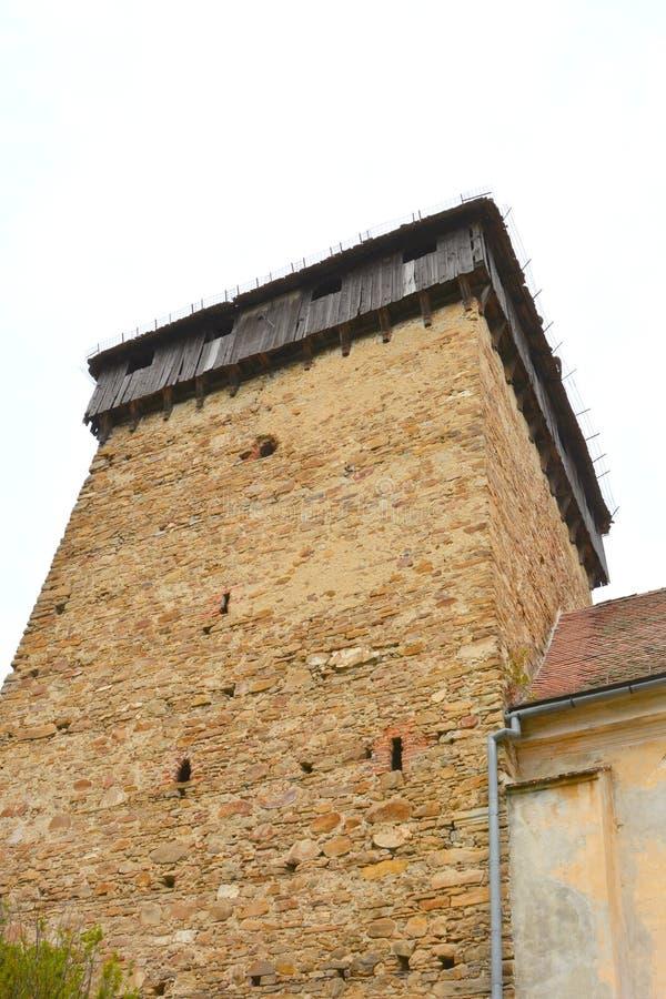 Iglesia evangélica sajona medieval fortificada en el pueblo Barcut, Bekokten, Brekolten, Transilvania, Rumania imagen de archivo libre de regalías