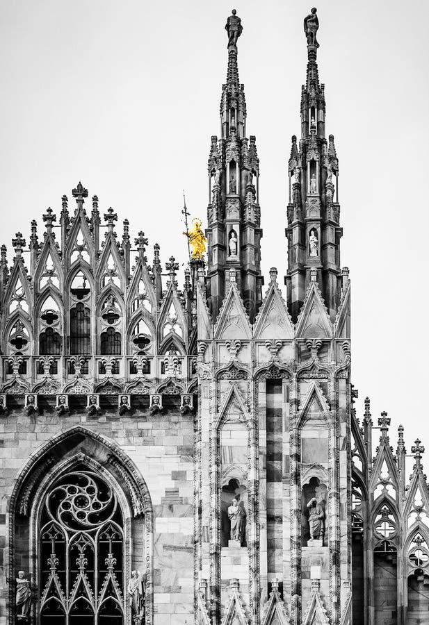 Iglesia gótica de la catedral de Milano de los di del Duomo, Milán, Italia foto de archivo libre de regalías