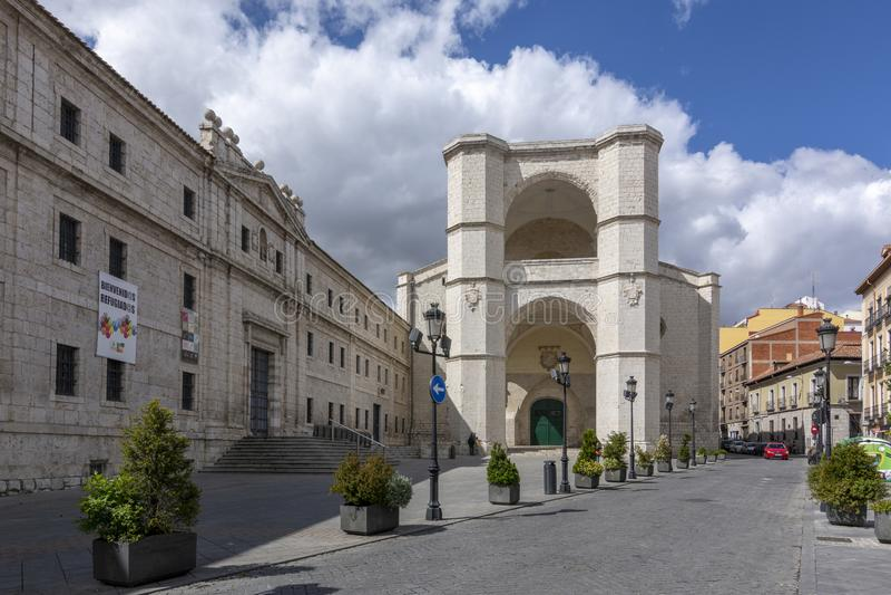 Iglesia gótica del convento viejo de San Benito el Real imagen de archivo libre de regalías