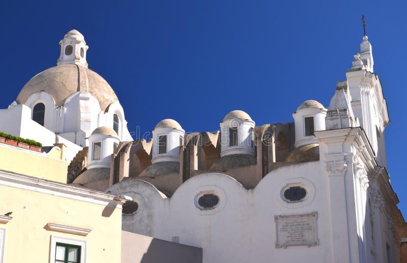 Iglesia majestuosa en la isla de Capri, Italia foto de archivo