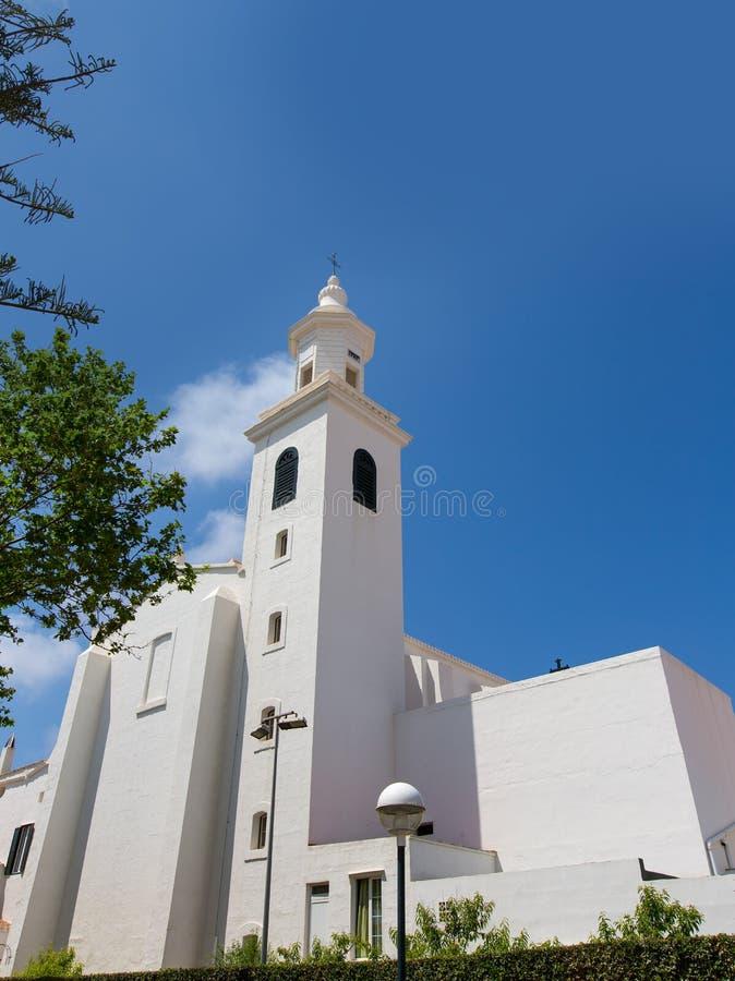 Iglesia mediterránea blanca de Menorca Sant Luis en balear fotos de archivo