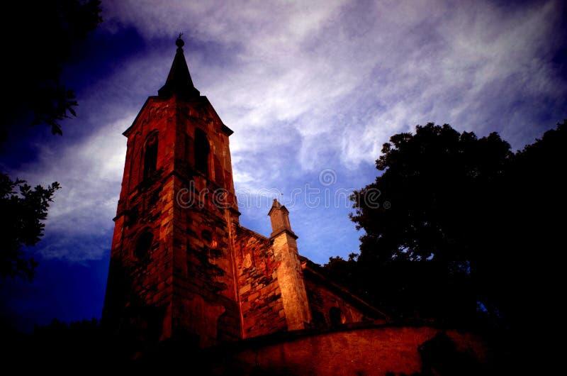 Iglesia olvidada del pueblo, República Checa imágenes de archivo libres de regalías