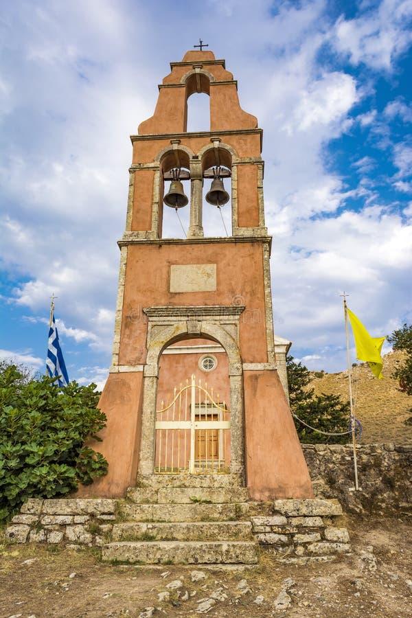 Iglesia ortodoxa en Perithia viejo, Corfú fotos de archivo