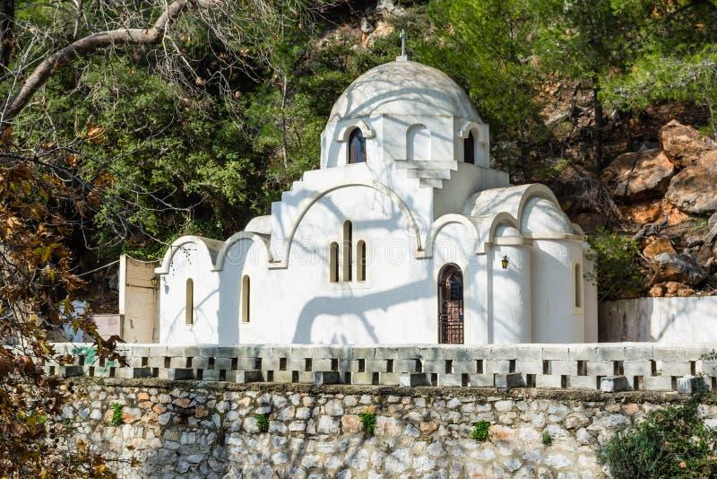 Iglesia ortodoxa griega en la isla de Poros foto de archivo libre de regalías