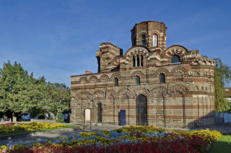 Iglesia ortodoxa medieval Crist Pantokrator - 13c en la ciudad antigua Nessebar o Mesembria en la costa del Mar Negro fotografía de archivo