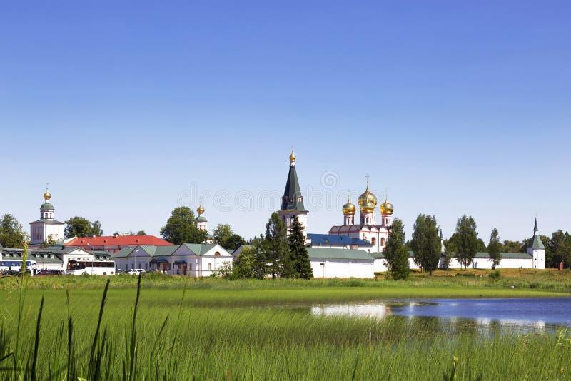 Iglesia ortodoxa rusa Monasterio en Valdai, Rusia de Iversky foto de archivo