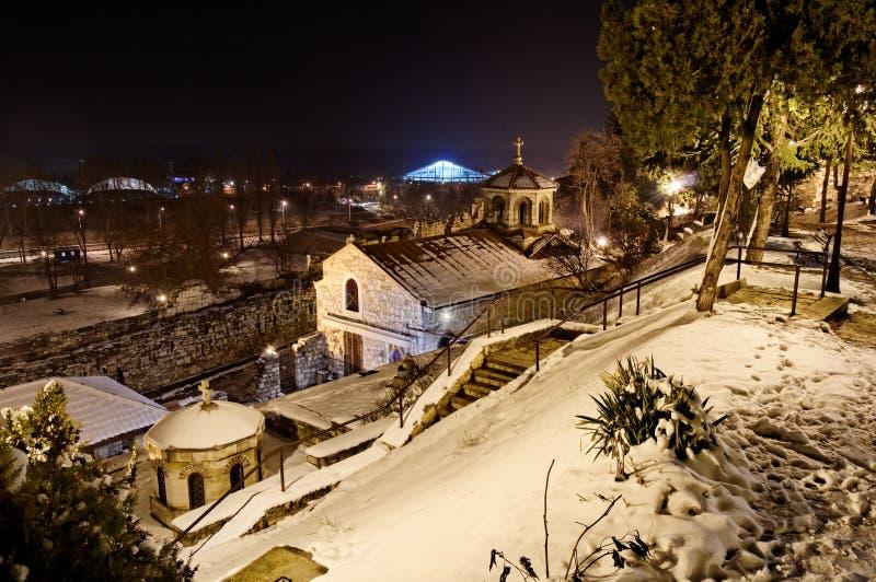 Iglesia ortodoxa Sveta Petka en invierno fotografía de archivo