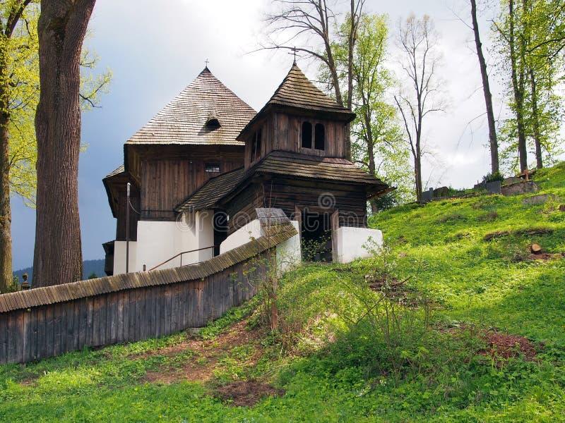 Iglesia rara de la UNESCO en Lestiny, Orava, Eslovaquia foto de archivo