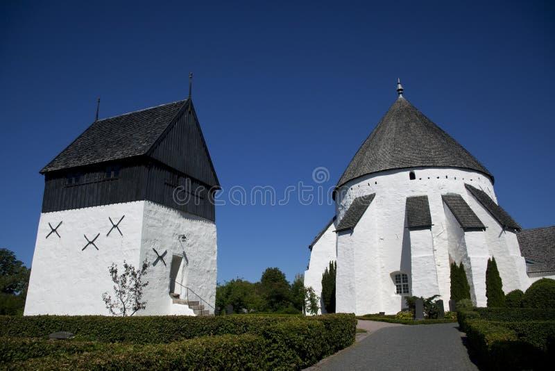 Iglesia redonda de Oesterlars. Bornholms. Dinamarca. imagenes de archivo