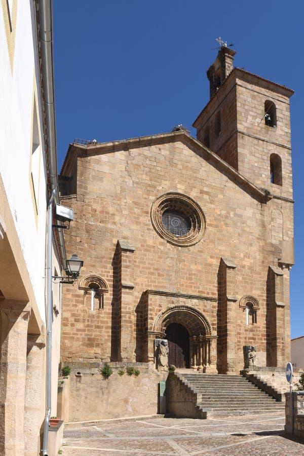 Iglesia Románica de San Pedro de Almocovar; fotografía de archivo libre de regalías