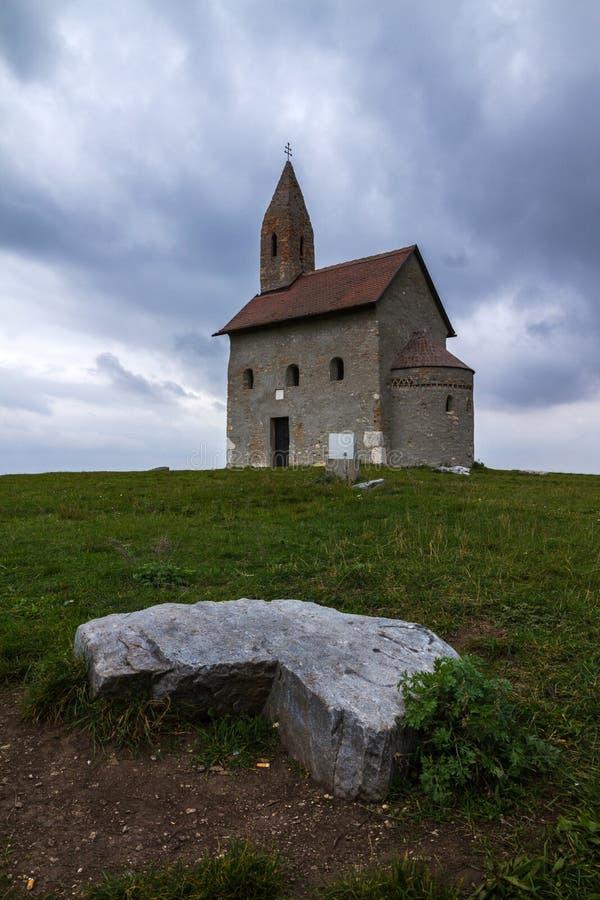 Iglesia romance imagen de archivo