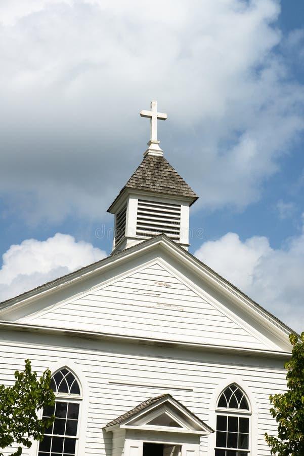 Iglesia rural vieja del país del vintage foto de archivo