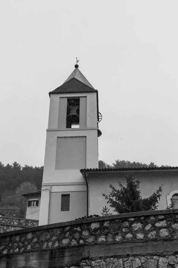 Iglesia S Maria Assunta, Villetta Barrea, Abruzos, Italia octubre imágenes de archivo libres de regalías