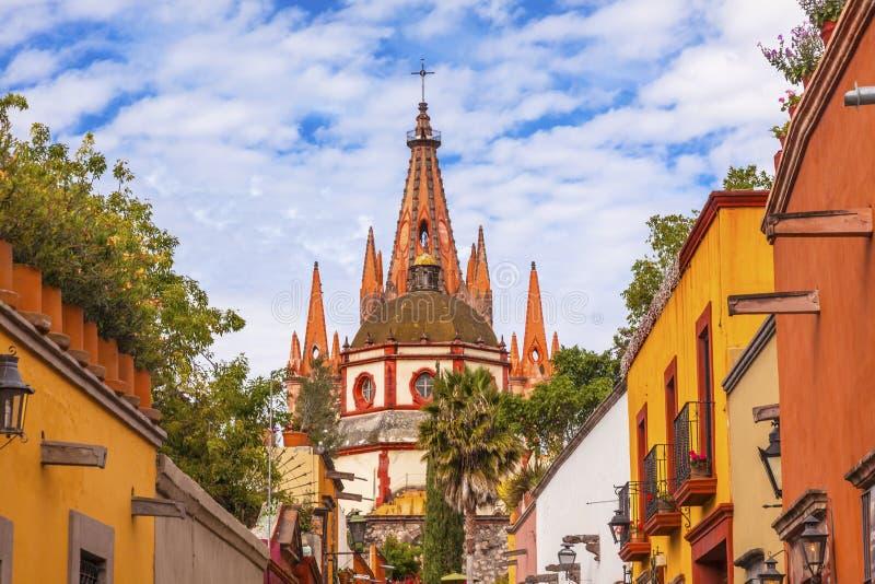 Iglesia San Miguel de Allende Mexico del arcángel de Parroquia de la calle de Aldama fotos de archivo