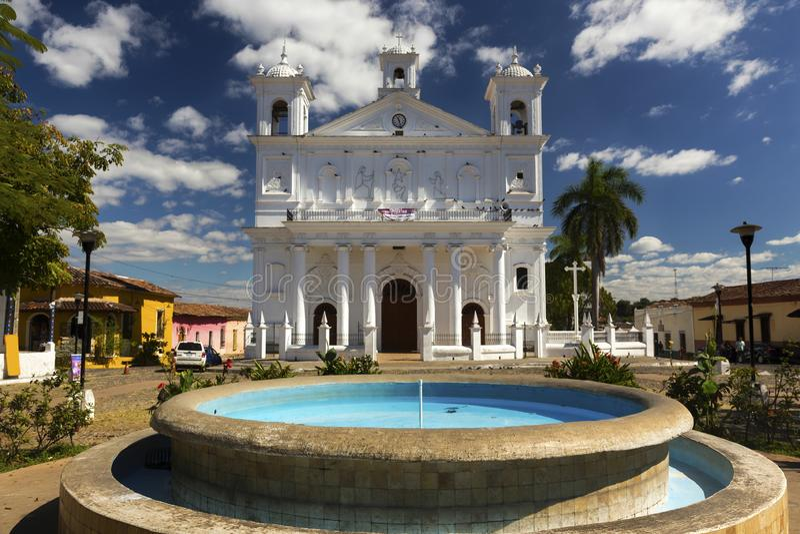 Iglesia Santa Lucia Chuch Cathedral Colonial Architecture Suchitoto El Salvador fotografia stock libera da diritti