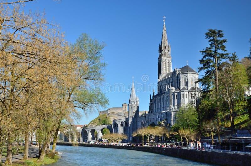 Iglesia superior en Lourdes foto de archivo