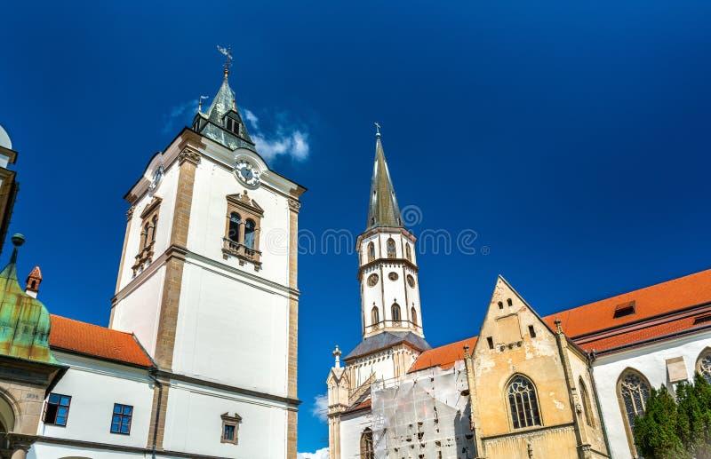 Iglesia vieja ayuntamiento y de San Jaime en Levoca, Eslovaquia imagen de archivo libre de regalías