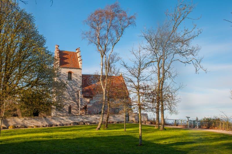 Download Iglesia vieja de Hojerup imagen de archivo. Imagen de rural - 100532179