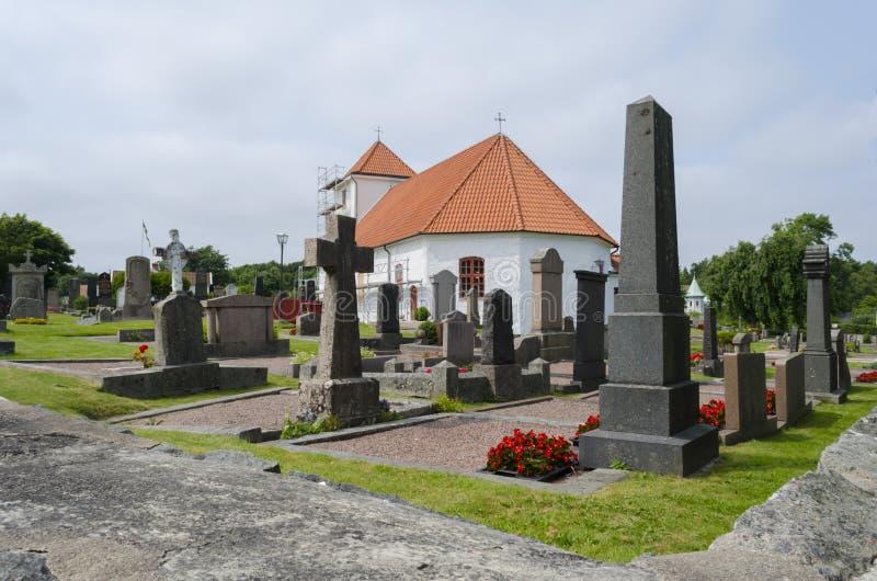 Iglesia vieja en Styrso imagenes de archivo