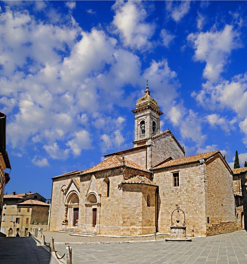 Iglesia vieja en Toscana fotografía de archivo