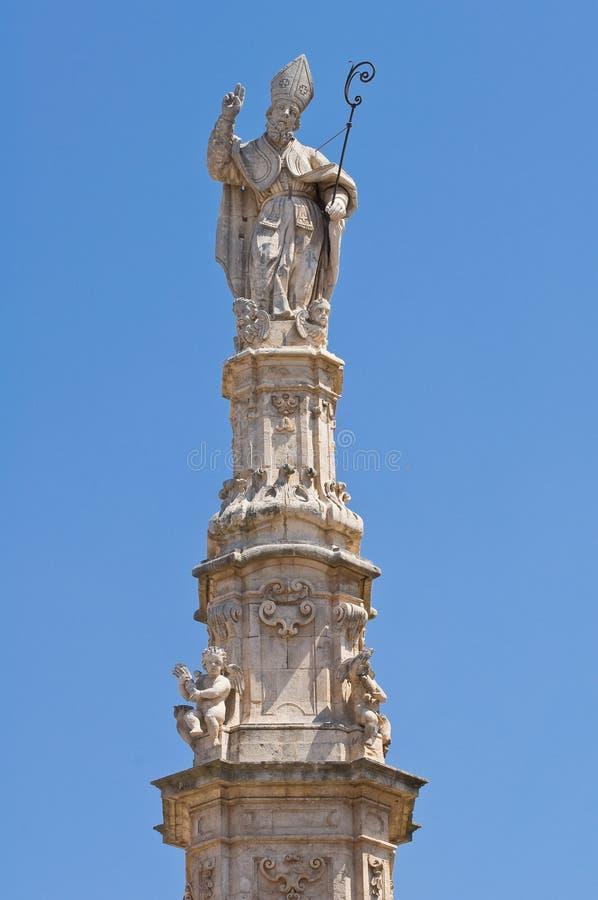 Iglica St. Oronzo. Ostuni. Puglia. Włochy. fotografia stock