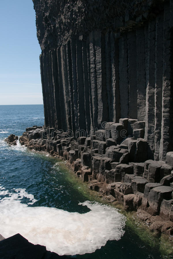 Free Igneous Rock At The Entrance To Fingal&x27;s Cave. Staffa Inland, Inner Hebrides, Scotland, UK Royalty Free Stock Images - 20540079