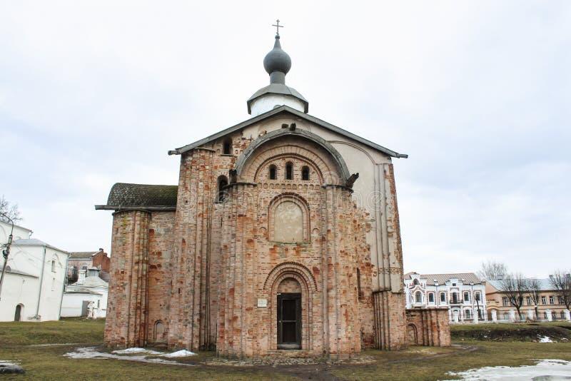 Igreja antiga do tijolo fotos de stock