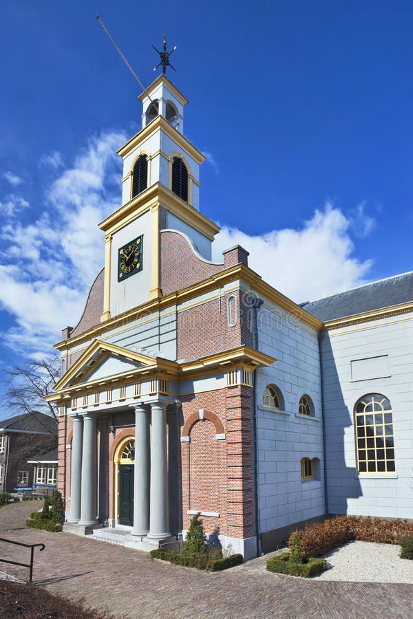 Igreja antiga, renovada com colunas, Waddinxveen do tijolo, Países Baixos foto de stock royalty free