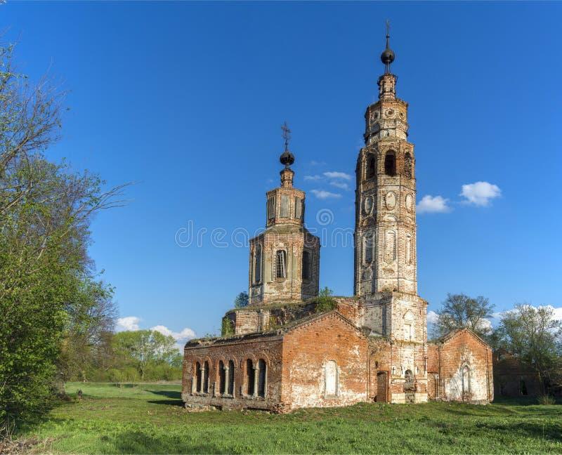 Igreja arruinada abandonada em R?ssia Kolentsy, Ryazan fotos de stock royalty free